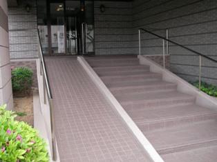 entrance-01.JPG